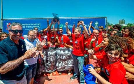 Rodolfo Landim, presidente do Flamengo, comemora o título com a equipe (Foto: Divulgação)