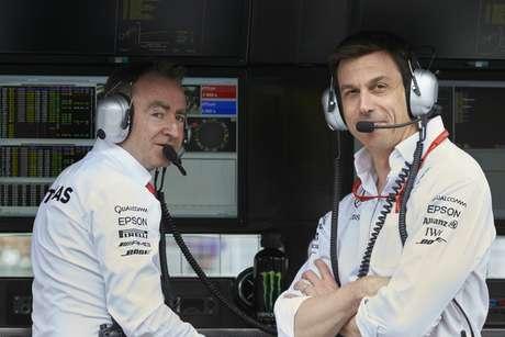 O diretor técnico Paddy Lowe e o chefão Toto Wolf: essa dupla mudou tudo.