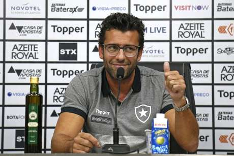 Será a segunda passagem de Alberto Valentim pelo Botafogo (Foto: Vítor Silva/BFR)