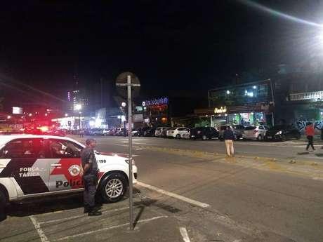 Operação da PM prendeu 65 pessoas e apreendeu 650 veículos em São Paulo.