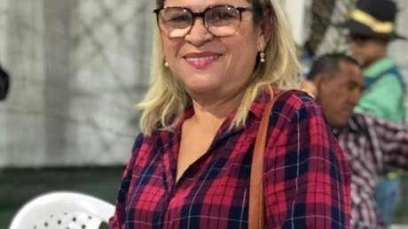 Lindalva é dona de ateliê de costura vizinho ao prédio desabado há 25 anos