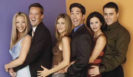 Os personagens Phoebe, Chandler, Rachel, Ross, Monica e Joey, de 'Friends'.