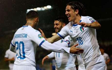 Itália não teve dificuldades para bater a frágil seleção deLiechtenstein (Foto: STEFAN WERMUTH/AFP)