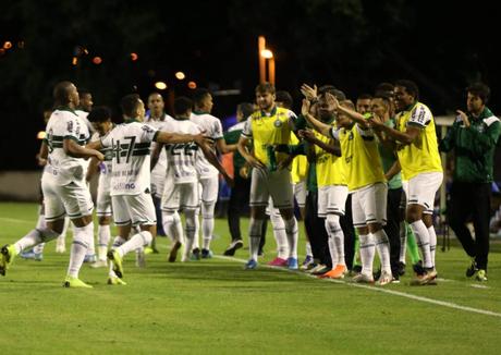 Coritiba venceu o São Bento por 2 a 1 fora de casa (Foto: Reprodução)