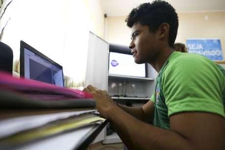 Aluno da escola estadual Raymundo Sá, no município de Autazes, no Amazonas.