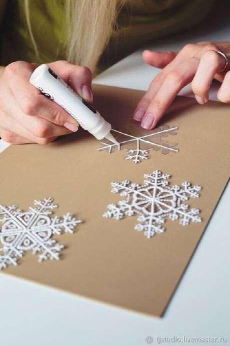 10. Saiba como fazer enfeites para árvore de Natal artesanal e capriche na sua decoração – Foto: Pinterest