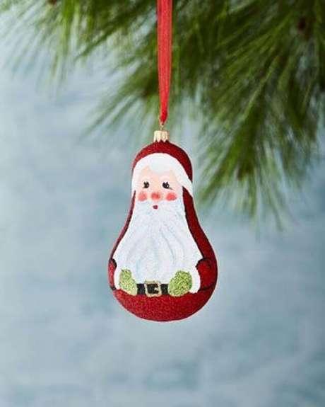 30. Invista em Papai Noel para o seu kit enfeites para árvore de Natal – Foto: Neiman Marcus