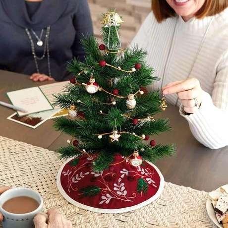 1. Saiba escolher os modelos certos de enfeites para árvore de Natal – Foto: Hallmark