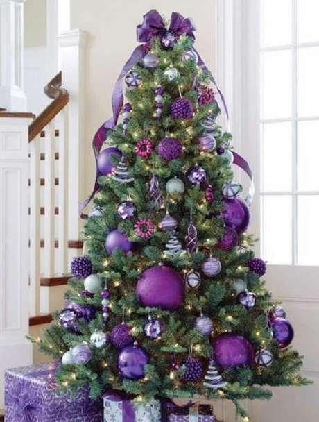 34. Ouse na escolha das cores para o seu kit enfeites para árvore de Natal – Foto: OkChicas