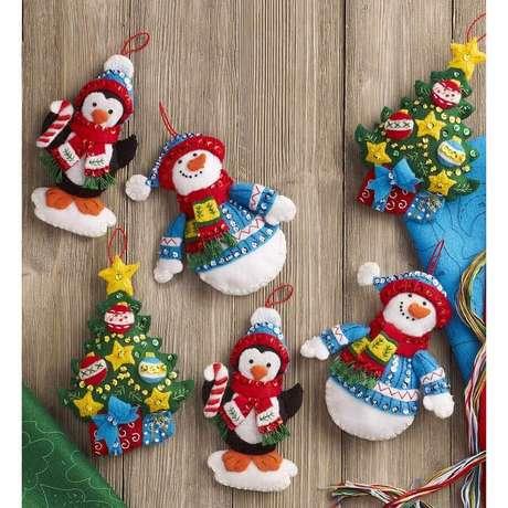 41. Kit enfeites para árvore de Natal divertidos e coloridos – Foto: Pinterest
