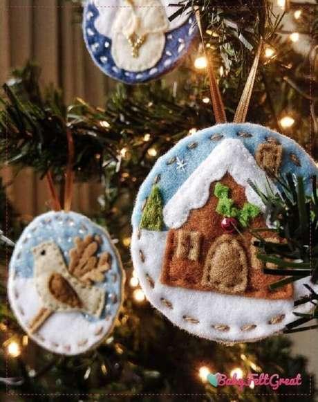 45. Modelos lindos e diferentes de enfeites para árvore de Natal em feltro – Foto: Etsy