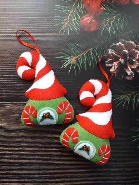 44. Tem muitas formas de como fazer enfeites para árvore de Natal em feltro – Foto: Neiman Marcus