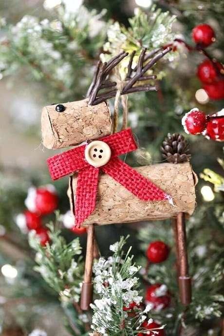 50. Lindo enfeite para árvore de Natal com acabamento rústico – Foto: MyJane