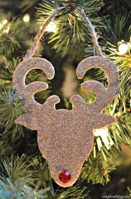 54. Rena decorada com glitter para enfeites de árvore de Natal – Foto: Blog Anightowl