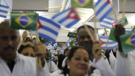Cubanos do Mais Médicos acusam braço da OMS de tráfico humano e trabalho forçado