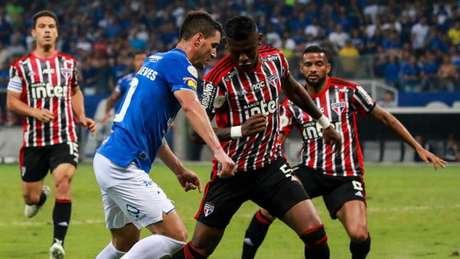 São Paulo teve pouco sucesso no ataque, levou um gol e foi derrotado (Foto: Dudu Macedo/Fotoarena/Lancepress!)