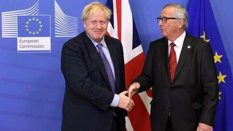 Johnson e Juncker pediram aos parlamentares de ambos os lados apoio ao acordo