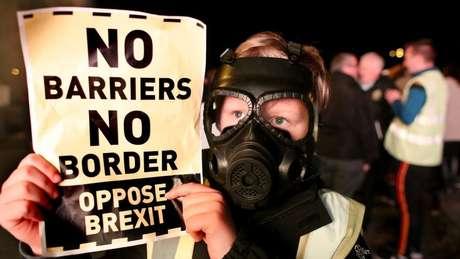 Manifestantes organizam protestos na Irlanda contra a saída do Reino Unido da União Europeia