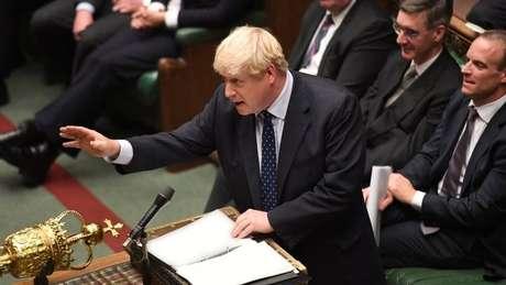 A sessão na Câmara dos Comuns terá início com um pronunciamento de Johnson