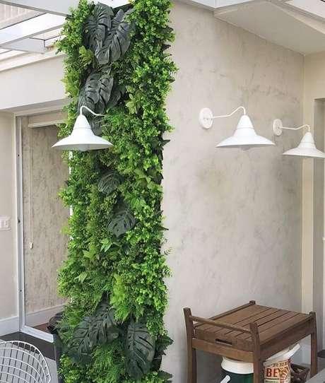 19. Jardim vertical artificial área externa se destaca na estrutura do imóvel. Fonte: Pinterest