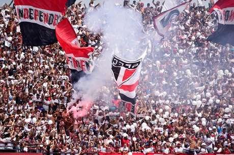 Torcida do São Paulo não vem lotando o Morumbi nos últimos jogos (Foto: Fernando Dantas/Gazeta Press)