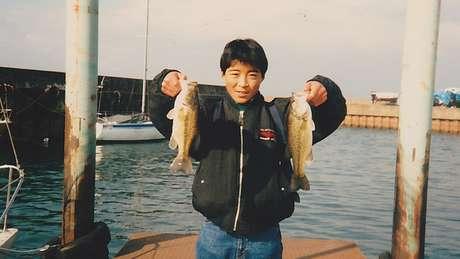 Yoshihiro Hattori, em foto de 1989, era descrito como um jovem animado, extrovertido e popular