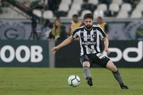 João Paulo pode ajudar na distribuição (Foto: Vitor Silva/Botafogo)