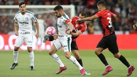 O Palmeiras de Bruno Henrique ficou longe de repetir a arrancada do primeiro turno (Agência Palmeiras/Divulgação)
