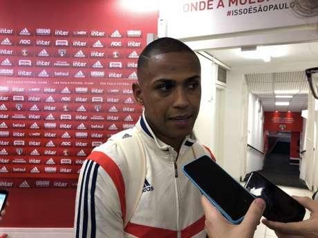 Bruno Alves fala com a imprensa após a partida contra o Avaí - FOTO: Fellipe Lucena