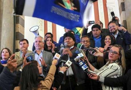Rival de Morales denuncia manipulação eleitoral na Bolívia