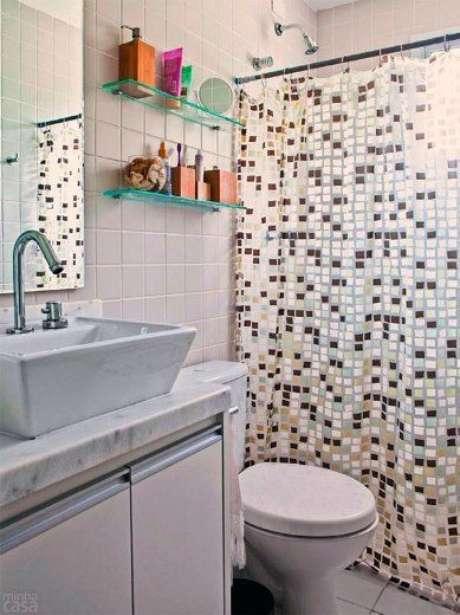 7. Da mesa forma que a cortina para banheiro também pode ser elaborada. Foto: Dcore Você