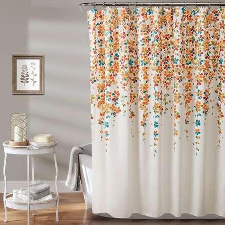 43. A cortina para banheiro é interessante pode oferecer muita alegria, a depender do modelo. Foto: Totally Furniture
