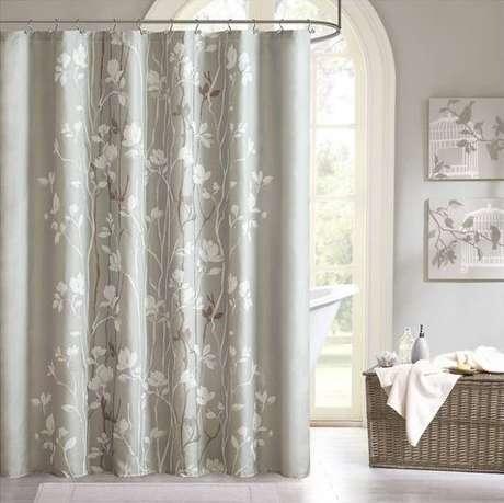 10. O método de abertura é algo importante na cortina para banheiro. Foto: Target