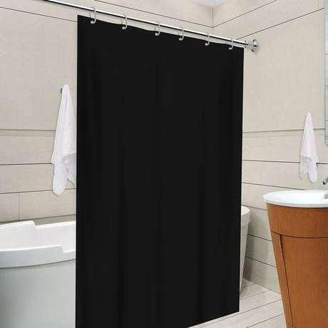 24. Apesar de ser um item decorativo, a cortina para banheiro deve ser funcional. Foto: Americanas