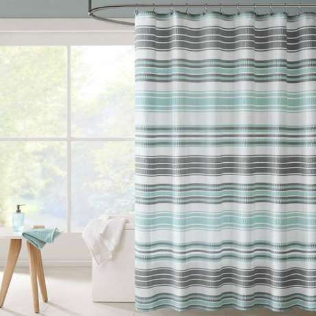 8. Muitas estampas podem existir em uma cortina para banheiro. Foto: Bed Bath & Beyond