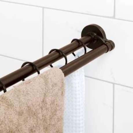 5. O mesmo vale para o suporte de cortina para banheiro. Foto: Bed, Bath & Beyond