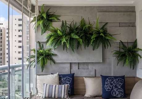 3. As samambaias são plantas que filtram o ar do ambiente e decoram o espaço. Fonte: Ideias Decor
