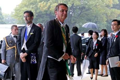 Presidente Jair Bolsonaro chega para cerimônia de entronização do imperador japonês no Palácio Imperial em Tóquio 22/10/2019 Koji Sasahara/Pool via REUTERS