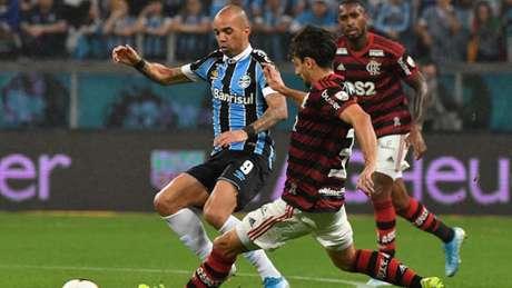 Equipes empataram por 1 a 1 em Porto Alegre no jogo de ida (Foto: Nelson Almeida/AFP)