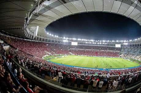Finais do Carioca e Taça Rio podem ter presença de público; Fluminense critica possibilidade de liberação (Foto: Alexandre Vidal, Marcelo Cortes, Paula Reis / Flamengo)