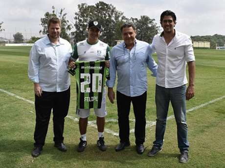 Felipe assumiu no lugar de Maurício Barbieri e tirou o Coelho da lanterna da Série B para brigar por uma vaga na Série A em 2020- (Mourão Panda/América-MG)