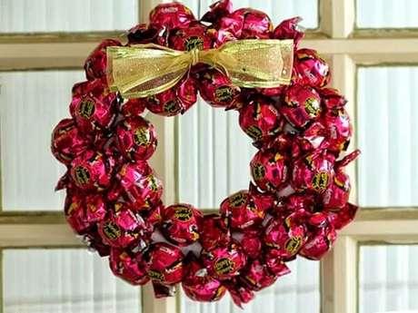 83. A guirlanda é uma dos enfeites de Natal mais procurados nessa época. Fonte: Pinterest