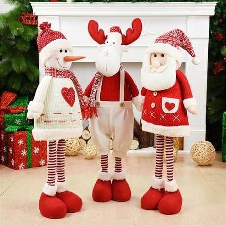 86. Bonecos utilizados como enfeites de Natal encantam a decoração do ambiente. Fonte: Pinterest
