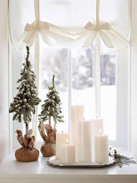 54. Linda decoração clean com enfeites de natal super delicados. Foto: Pinterest