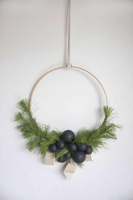 60. Linda guirlanda para decoração minimalista nesse natal. Foto: Futurist Architecture