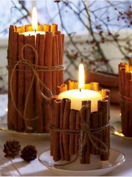 64. Ideia simples e linda para decoração de natal. Foto: Round Decor