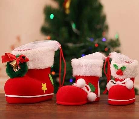 93. Espalhe as botas do papai noel pela casa. Fonte: Pinterest