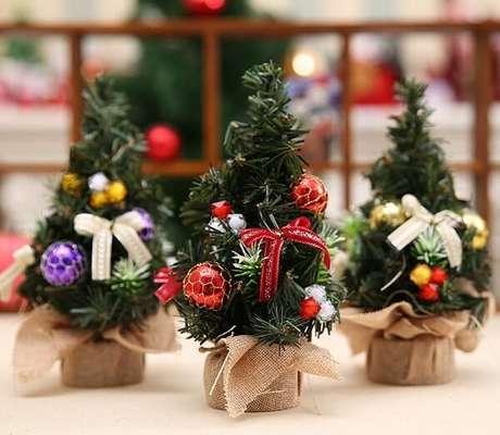 97. Mini árvores de Natal para decorar seu ambiente. Fonte: Pinterest