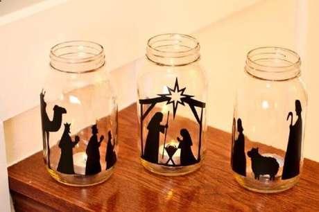 77. Enfeites de natal simples também devem ser usados na decoração. Foto: Christmas Craftings