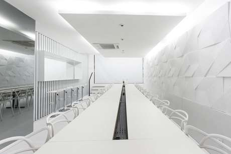 27. Estabeleicmentos comerciais usam muito a parede 3D. Projeto de Kali Arquitetura